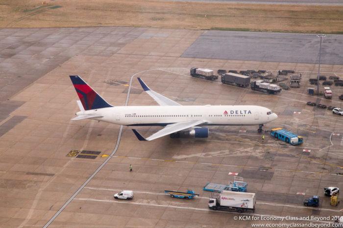 Delta Boeing 767-300 from Heathrow Tower