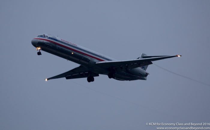 American Airlines McDonnell Douglas MD-80 approaching Chicago O'Hare International Airport